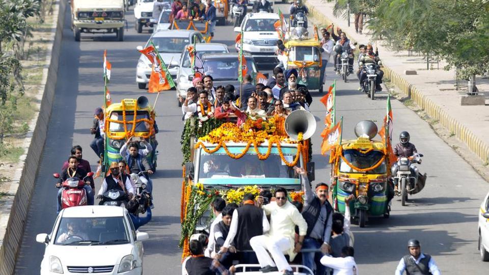 In Noida, BJP candidate Pankaj Singh has reported an expenditure of Rs 7,00,205.