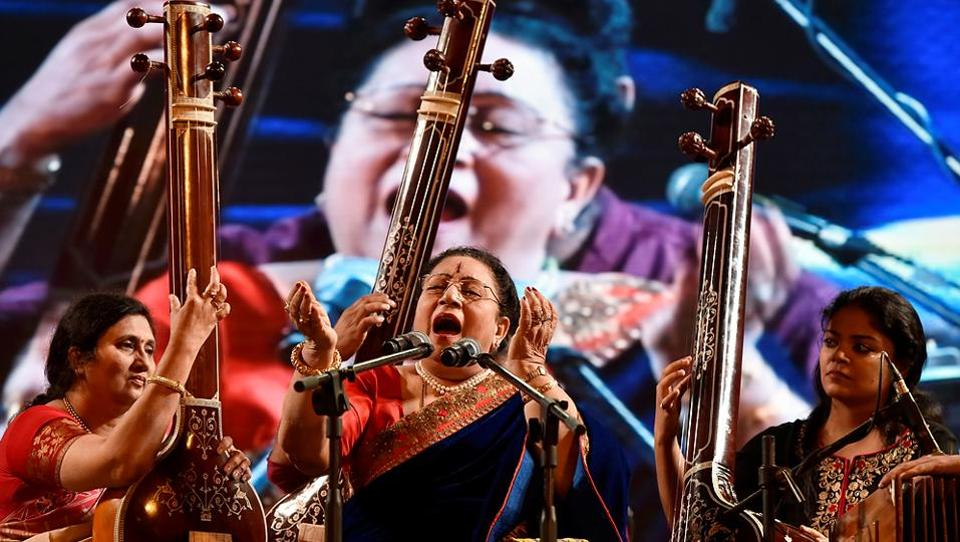 Hindustani classical singer Parveen Sultana performs during the Hindustan Times Kala Ghoda Arts Festival 2017 at Cross Maidan. (Anshuman Poyrekar/HT PHOTO)