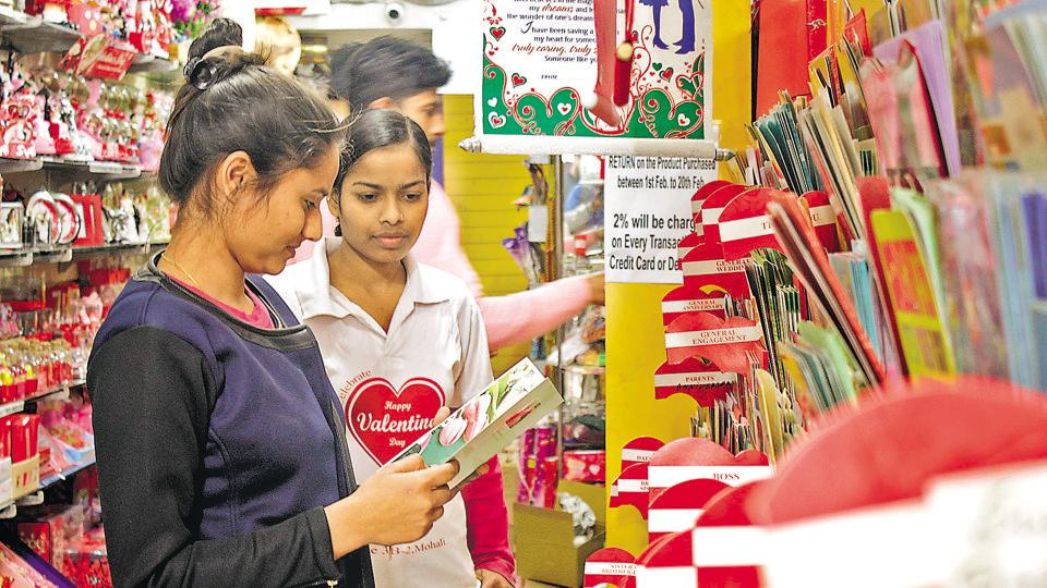 Customers looking for a Valentine gift at a shop in Mohali. (Sushil Prajapati/HT Photo)