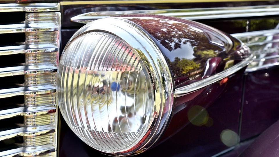 The front headlight of the Buik Convertible, 1938 model, with 4500 CC. The previous editions of the car rally have seen impressive worldwide participation and enthusiasm.  (Mohd Zakir/HT PHOTO)