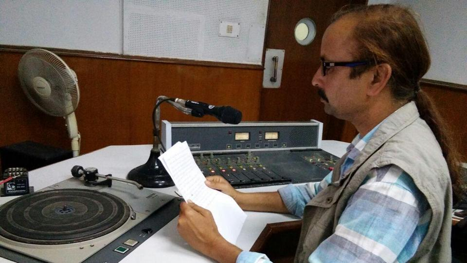 Amalendu Mishra's radio talk show, 'Hamar Hathi, Hamar Goth,' cautions listeners on elephants' movement.