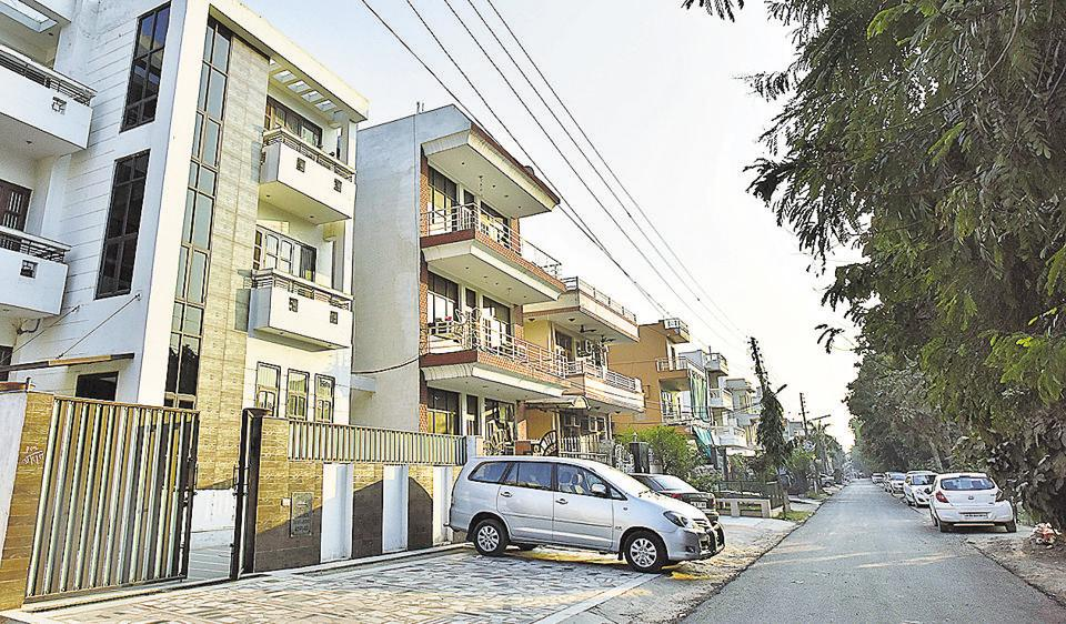 Residents say no to fourth floor sans provision for stilt parking ...