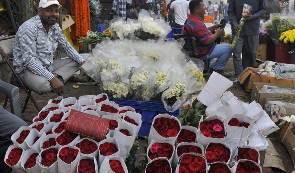 A bunch comprising 6 to 12 roses is priced around Rs. 60 in Ghazipur and Chattarpur mandi.