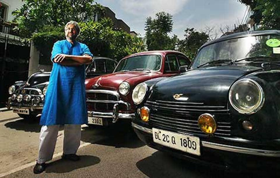 Journalist Siddharth Varadarajan  with his three ambassadors.