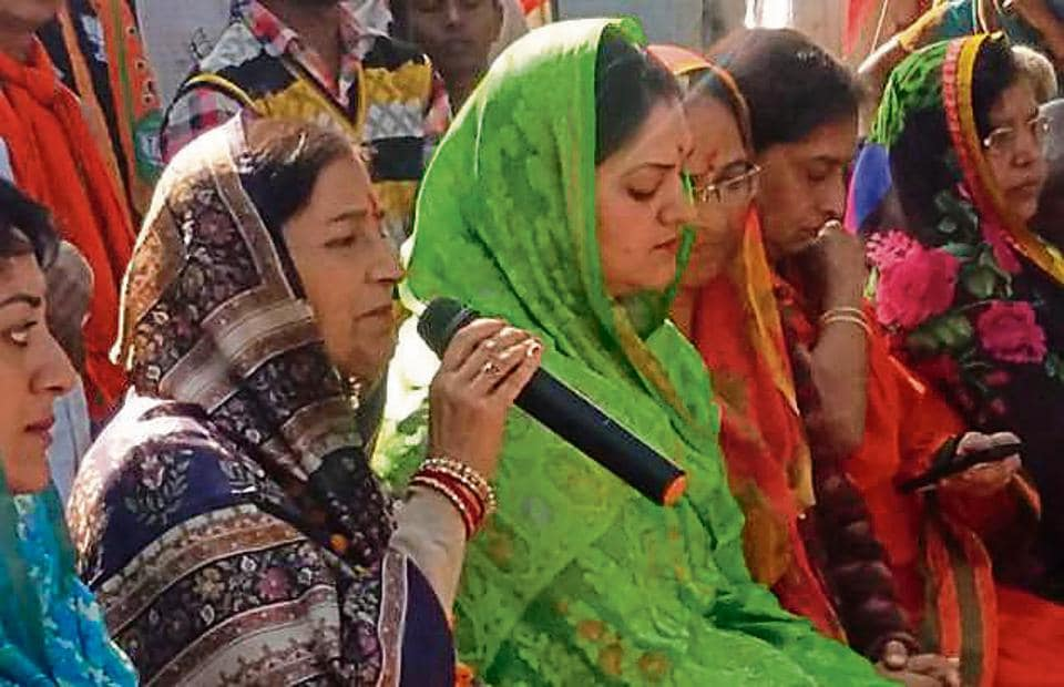 BJP candidate Garima Singh (with mic) is locked in a fight with Congress' Amita Singh.