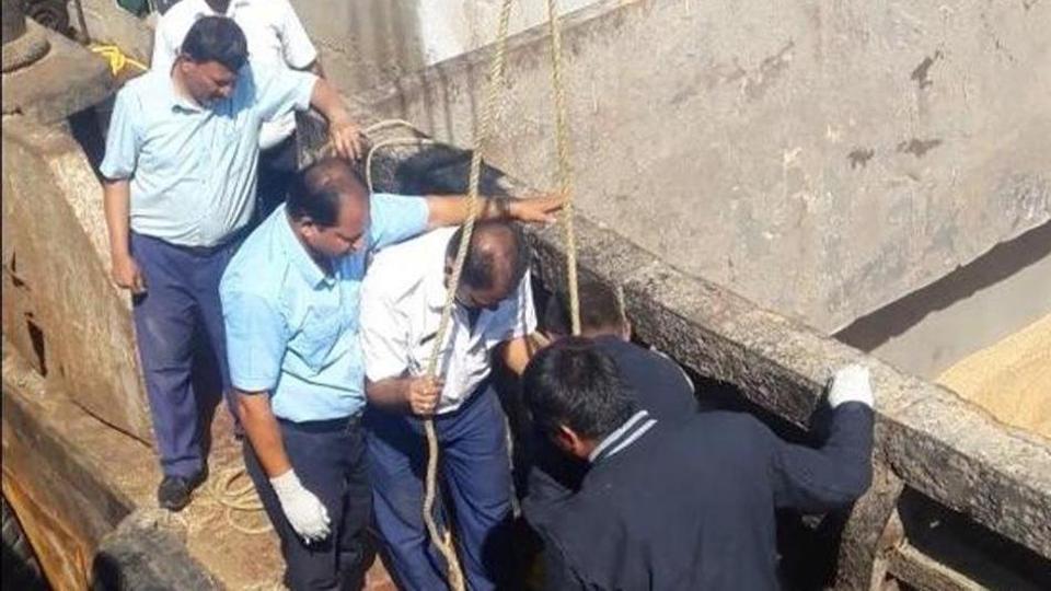 Orion II,Gas leak,Malabar Hill police