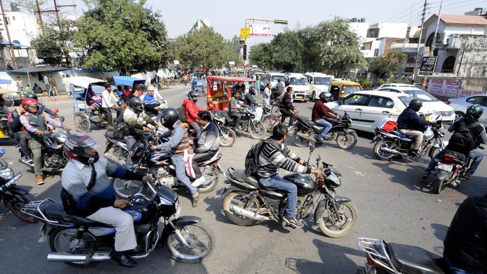 Noida,traffic police,CCTV camera
