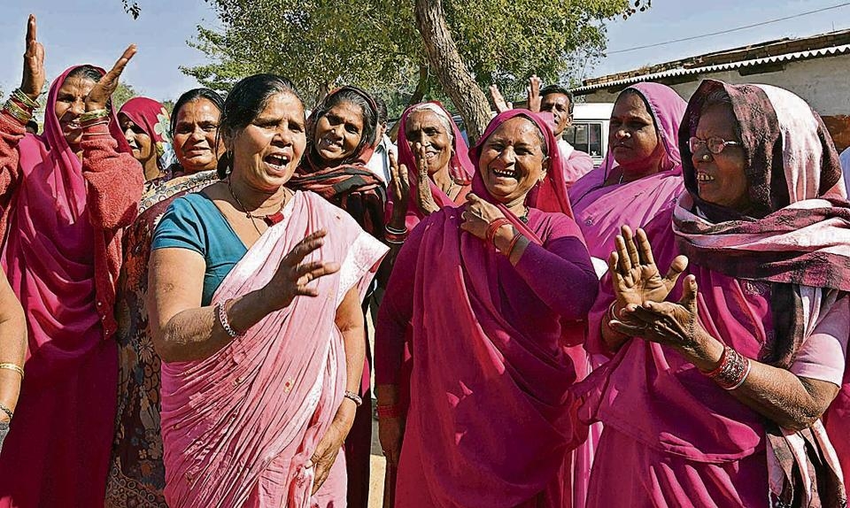 Sampat Pal, the founder of Gulabi Gang and the Congress candidate, campaigns for the Uttar Pradesh assembly polls in Manikpur.