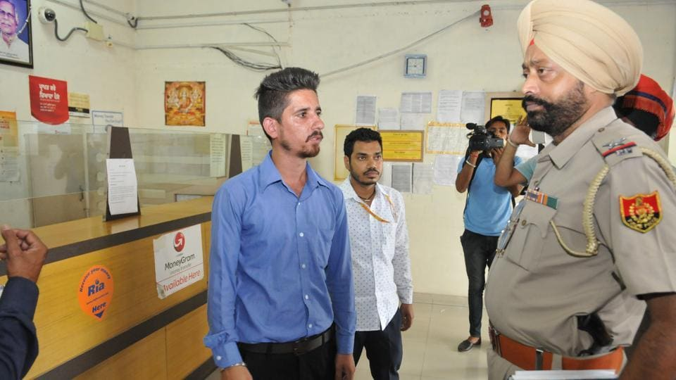 The accused, Varinder Pal Singh, had robbed the cash and gold on August 29 last year.