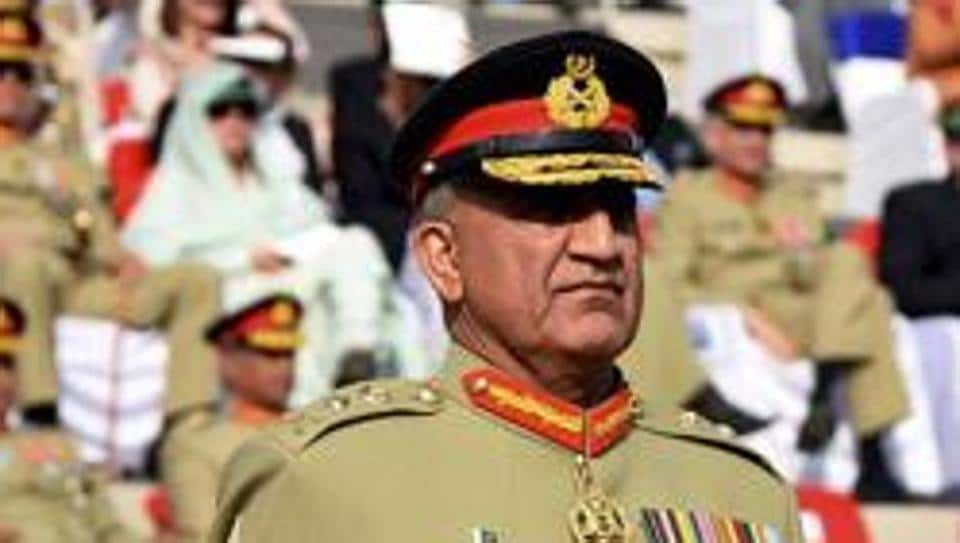 pakistan army chief asks officers to read book on success of