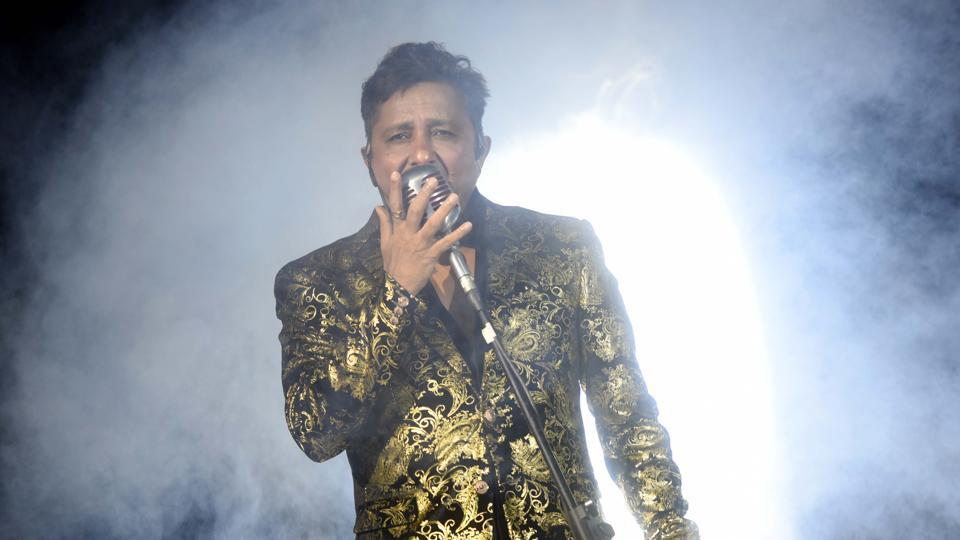 Singer Sukhwinder Singh enthrals the crowd. (Pratik Chorge/HT PHOTO)