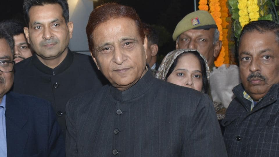 Samajwadi Party's Muslim face and UP minister Azam Khan put the Shahi Imam of Delhi's Jama Masjid in his line of fire  describing him as someone who is up for sale.