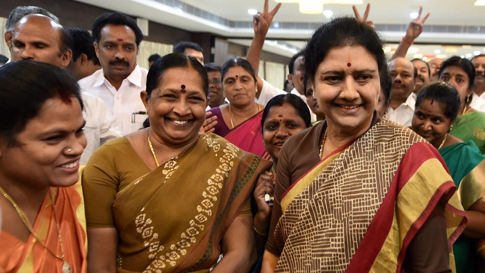AIADMK general secretary VK Sasikala interacts with MLAs after a press conference at a resort in Kuvathur at East Coast Road where the party lawmakers are camping, on the outskirts of Chennai on Sunday.