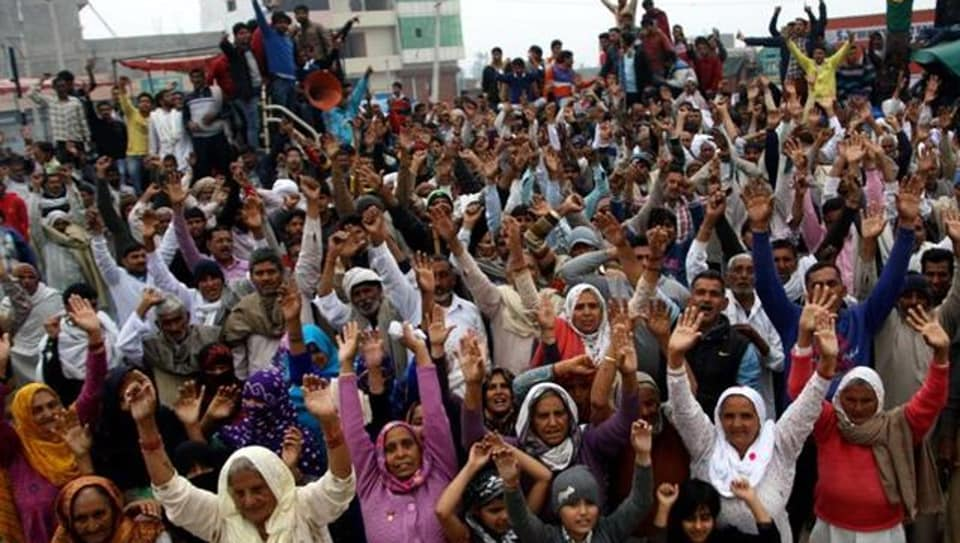 The report held that there was a gathering of about 20,000 at Jassia (Rohtak), of about 12,000 at Joli (Sonepat), about 5,000 at Rasalwala (Jhajjar), about 4,000 at Ikkas (Jind), about 2,000 in Dadri and less than 1,000 each at dharna sites in Kaithal, Hisar, Bhiwani and Panipat.