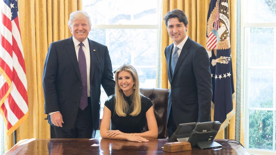 the oval office desk. Ivanka Trump,Oval Office,Donald Trump The Oval Office Desk
