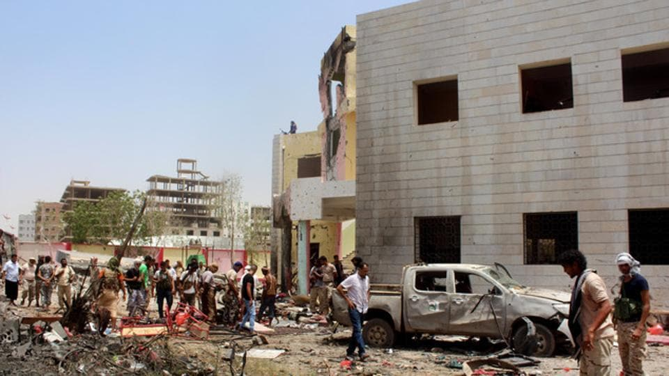A suicide car bomb attack in a rebel-held Yemeni town onTuesday killed three people, including a child, and wounded eight others.