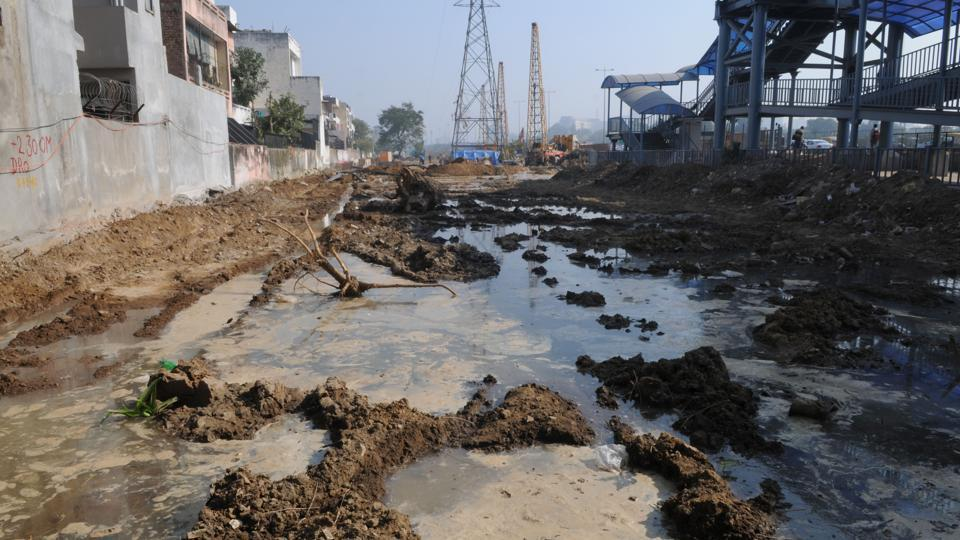Residents said the leakage started 15 days ago when trees were cut for widening the NH-8. The leak has led to waterlogging near Iffco Chowk pedestrian bridge.