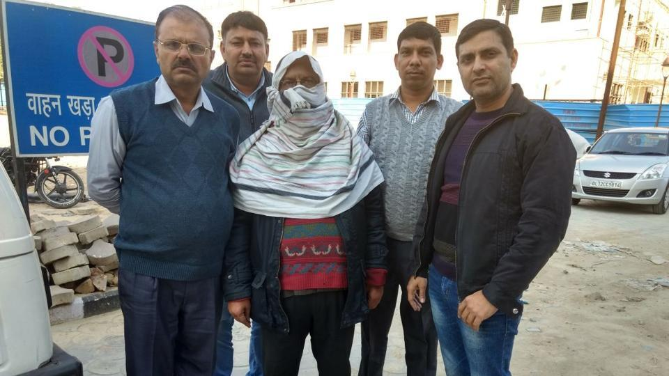 elderly,druga nd loot,government hospital