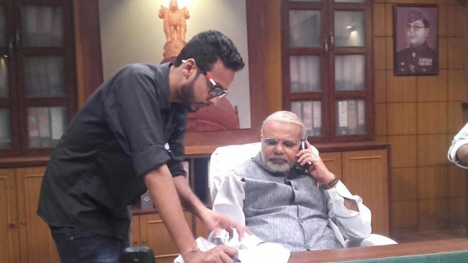 Director Tushar Amrish Goel with Vikas Mahante, Modi's lookalike, in a still from the film Modi Ka Gaon.