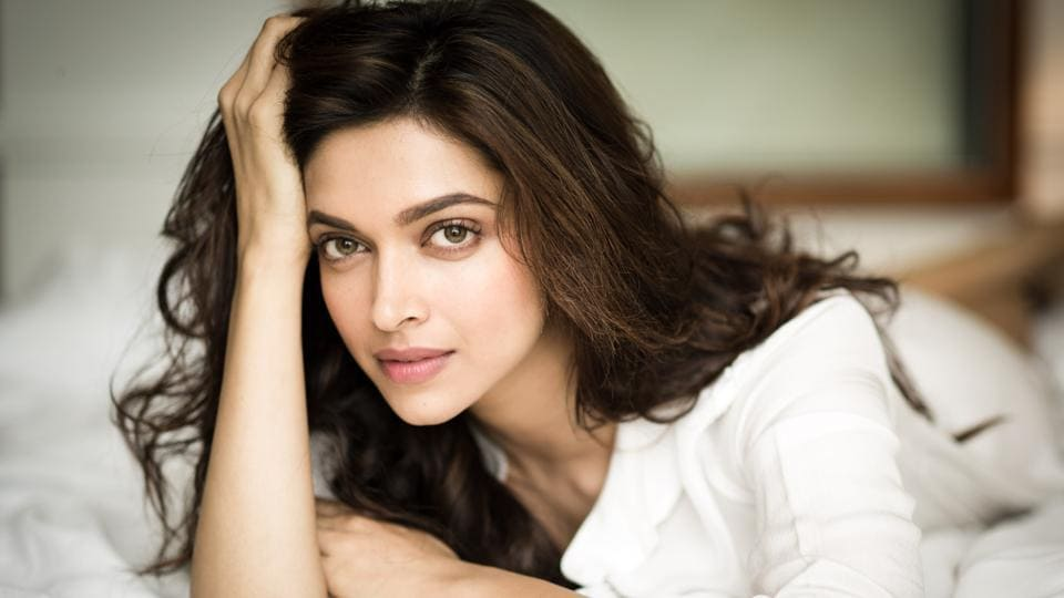 Deepika Padukone is connected to her fans, who often write to her on social media sites.