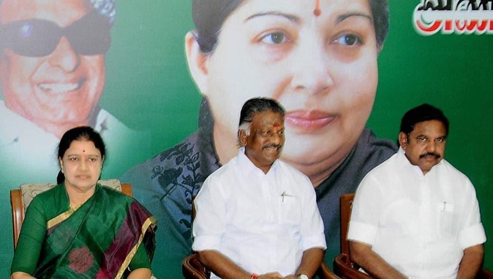 Tamil Nadu,VK Sasikala,O Panneerselvam