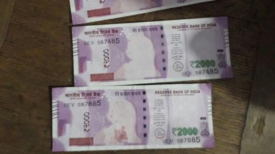 Fake Rs 2000 notes seized on Bangladesh border