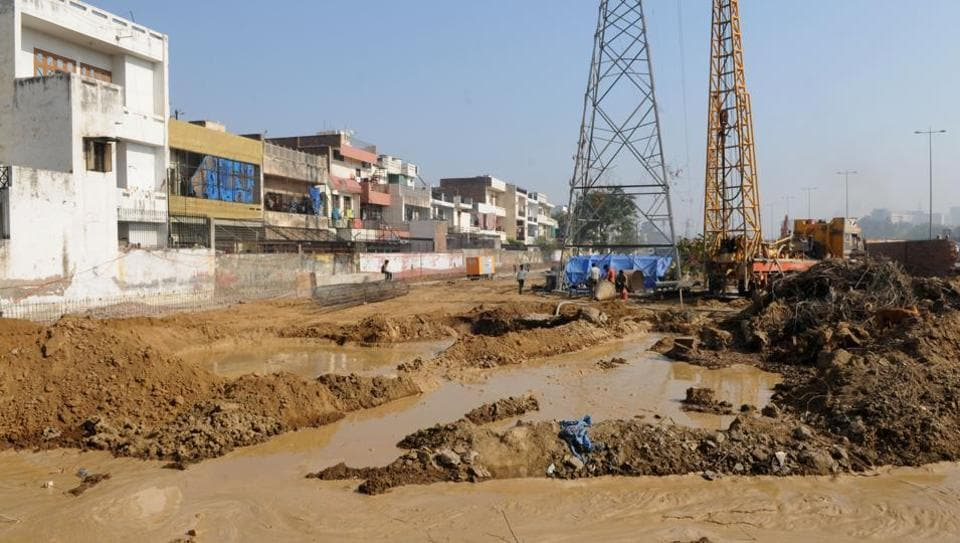 Huda pipeline leakage,Gurgaon water shortage,Gurgaon pipeline leakage