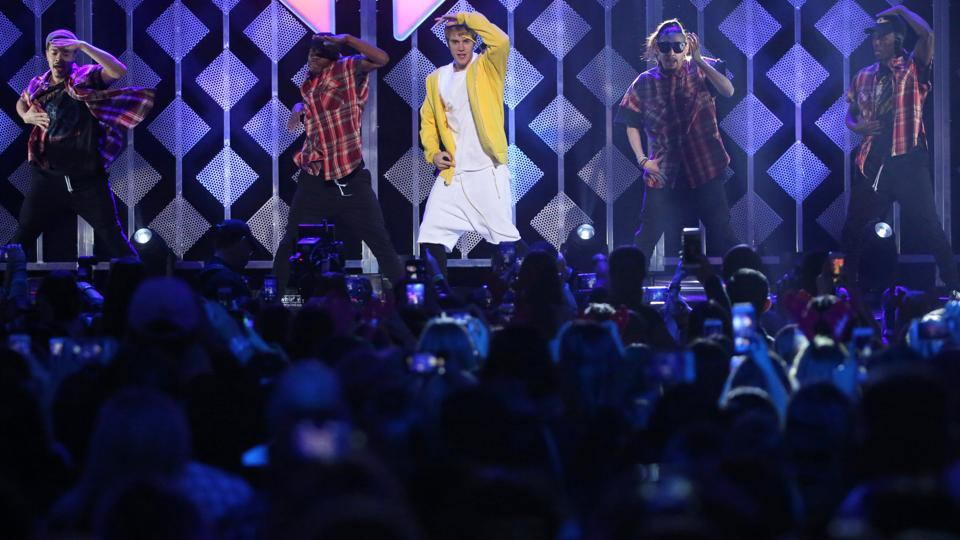 Beliebers, rejoice! The golden boy of pop comes to the showbiz capital of India in May and he's partying for a whole week... and performing, of course.  (REUTERS)