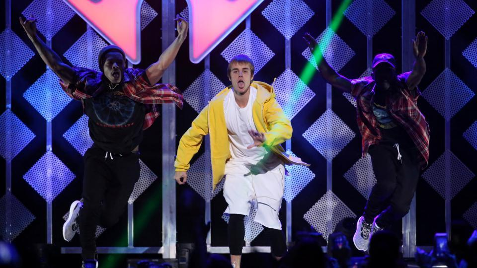 Justin Bieber performs at Z100's Jingle Ball in Manhattan, New York. (REUTERS)