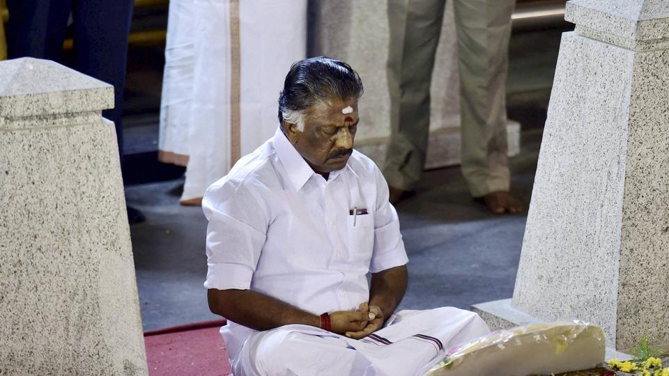 Panneerselvam,Sasikala,Tamil Nadu