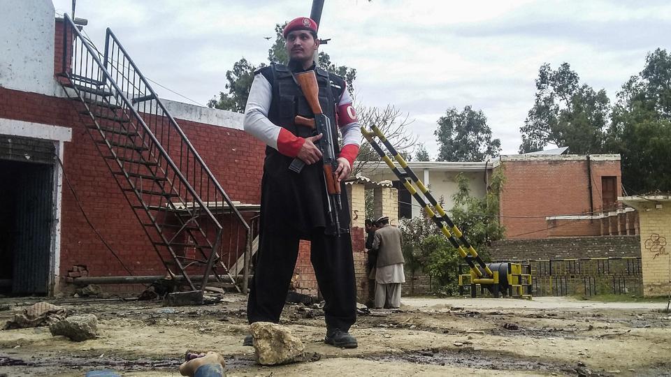 Jamaat-ul-Ahrar,Pakistani Taliban,Taliban suicide bombing