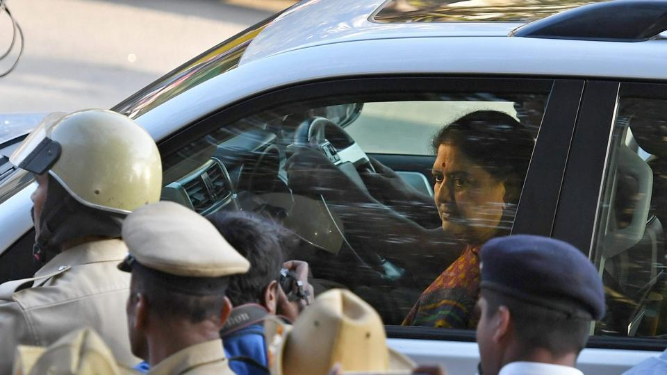 AIADMK general secretary VK Sasikala arrives to surrender at the special court after she convicted in DA case in Bengaluru on Feb 15.