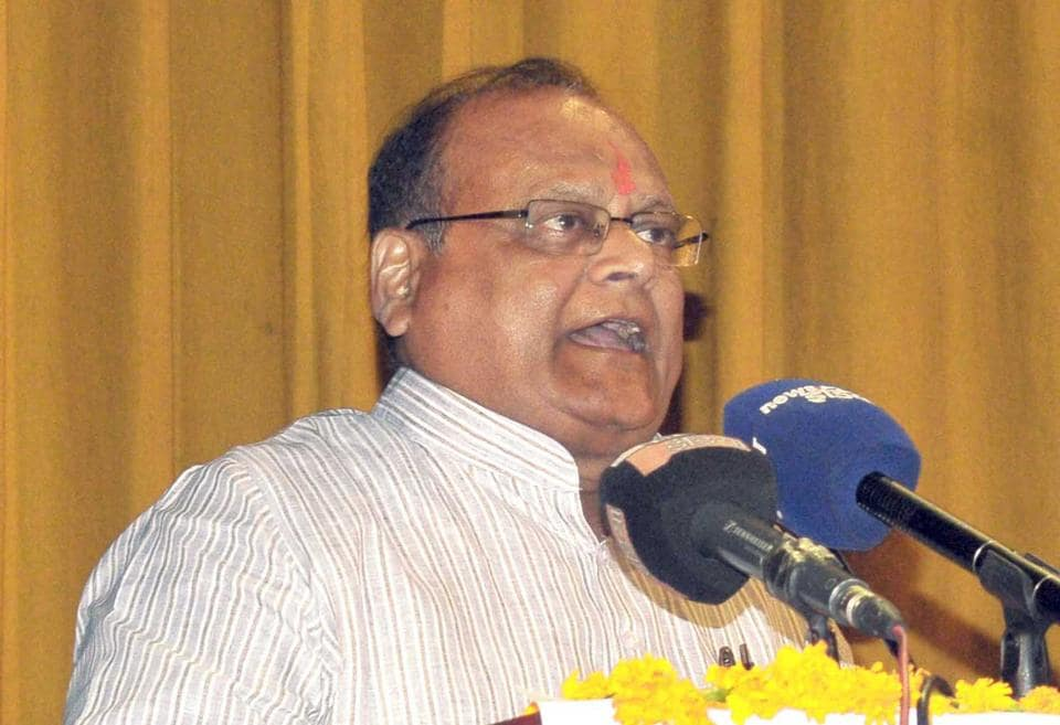 Rajasthan health minister Kali Charan Saraf said ban on tobacco can to be imposed throughout the country.