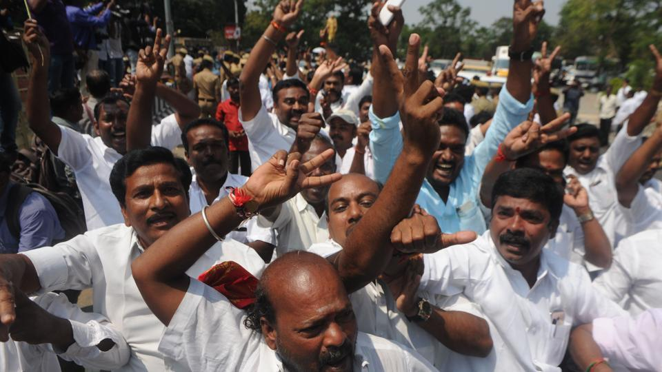 DMK's hunger strike on February 22 against what happened in TN assembly