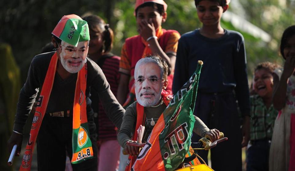UP elections,Narendra Modi,Akhilesh Yadav