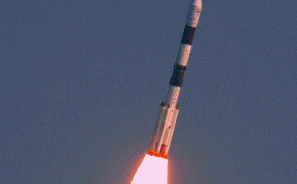 ISRO,ISRO launches 104 satellites,Space debris