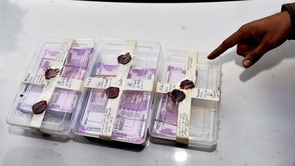 Counterfeit Rs 2000 notes recovered by Delhi Police on Saturday.