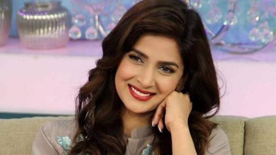 Pakistani actor Saba Qamar was at a chat show where she was asked to 'reject' hypothetical movie offers with Indian stars.