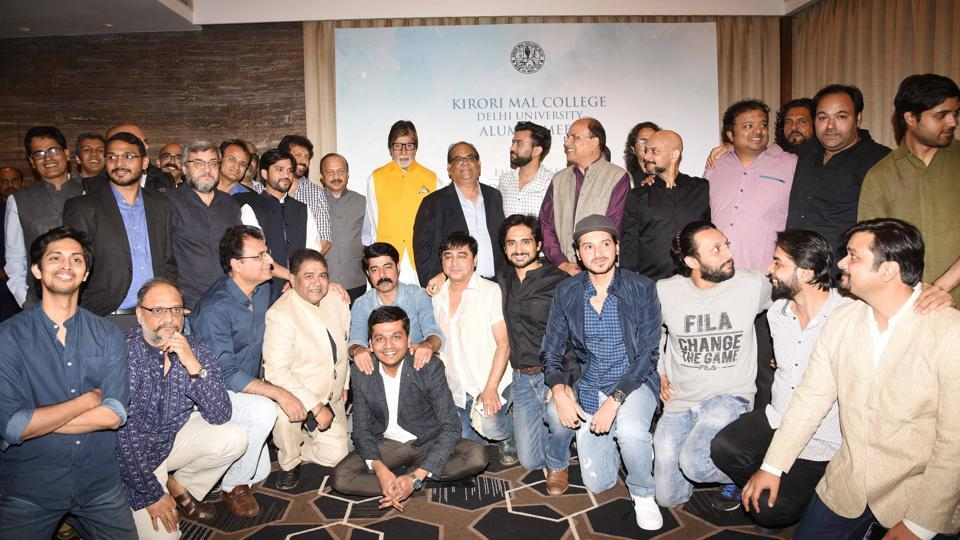 Amitabh Bachchan and other eminent personalities at the Kirori Mal College alumni meet.