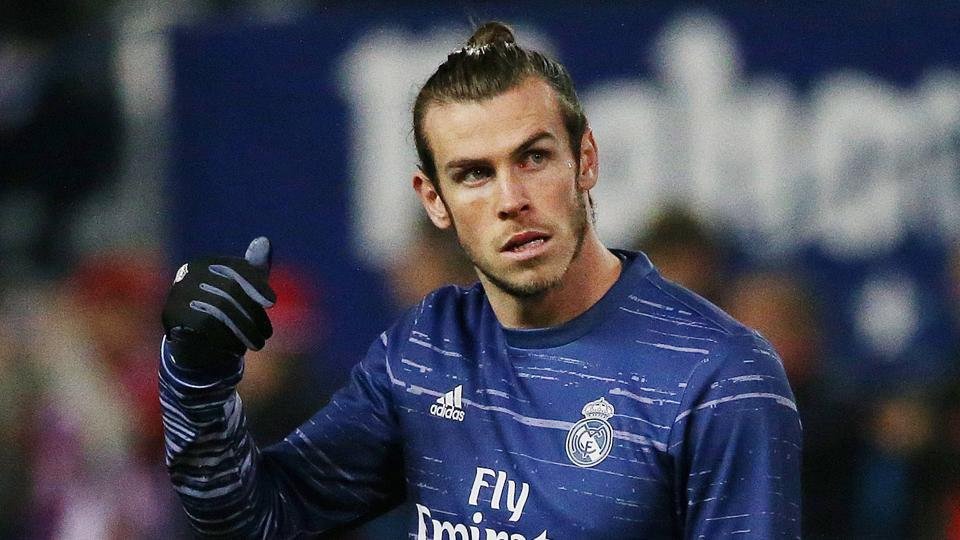 Real Madrid's Gareth Bale (R) is likely to face RCDEspanyol after picking up an ankle injury in November.