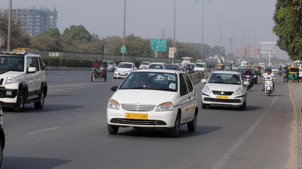 Cab drivers have started plying independently without using the booking applications of aggregators Ola and Uber on Friday.