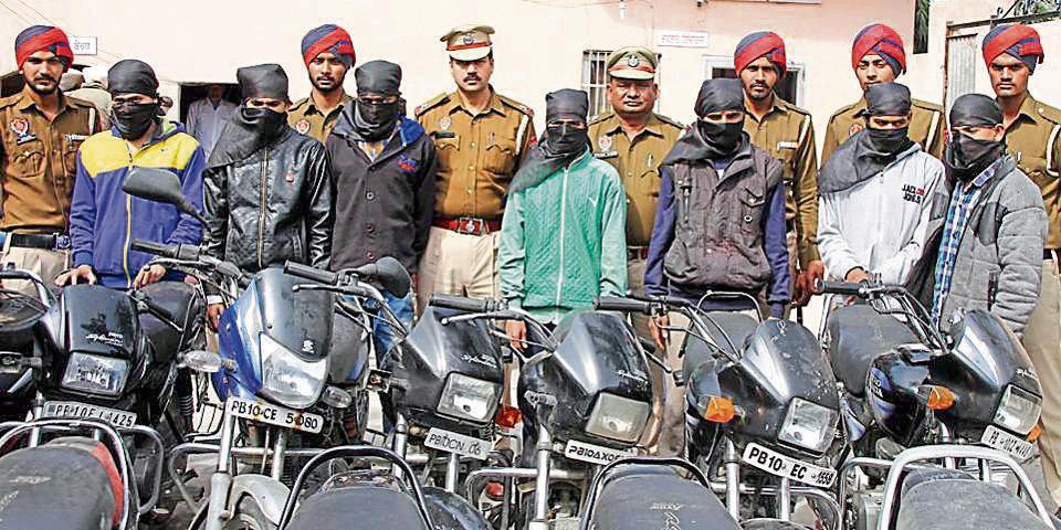 vehicle lifters,Ludhiana police