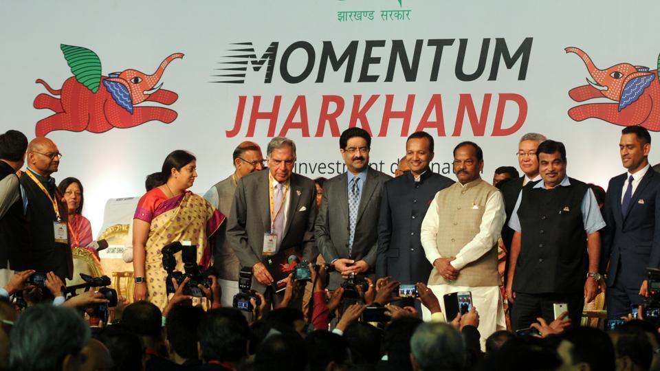 Chief Minister Raghubar Das along with Union Ministers Nitin Gadkari , Smriti Irani, Industrialists- Ratan Tata , Kumar Mangalam Birla, Navin Jindal , Cricketer M S Dhoni during the global investors summit at mega sports complex in Ranchi