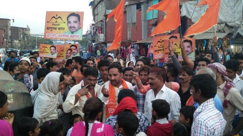 The Shiv Sena's Behrampada candidate, Mohammed Halim Khan, campaigns ahead of the BMC polls in Mumbai.