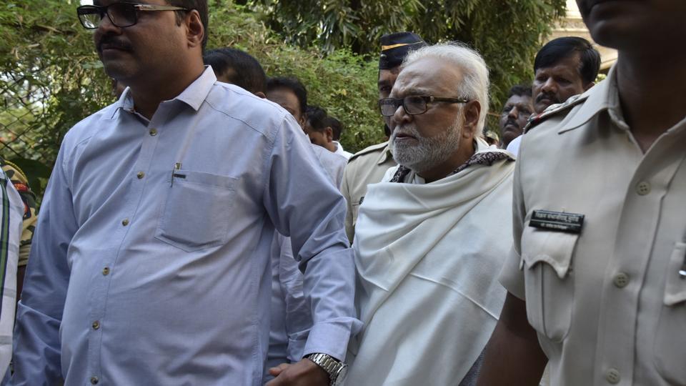 Chhagan Bhujbal being taken to jail from Esplanade court on January 7.