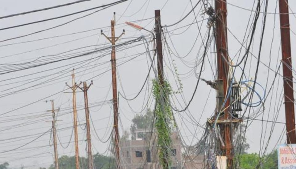 On the fateful day of September 10, 2013, a wire which was sparking fell on Harminder's Scorpio parked outside his house in Sector 4, Panchkula.