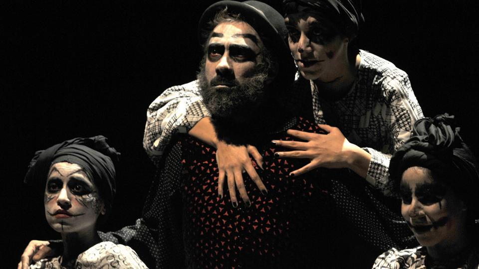 Actor Ranvir Shorey and other artists performing Macbeth play at Tagore theatre in Chandigarh, on Sunday. (Ravi Kumar/HT photo)