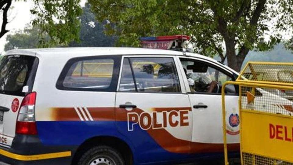 Delhi Police,Delhi crime,MBBS dropout held