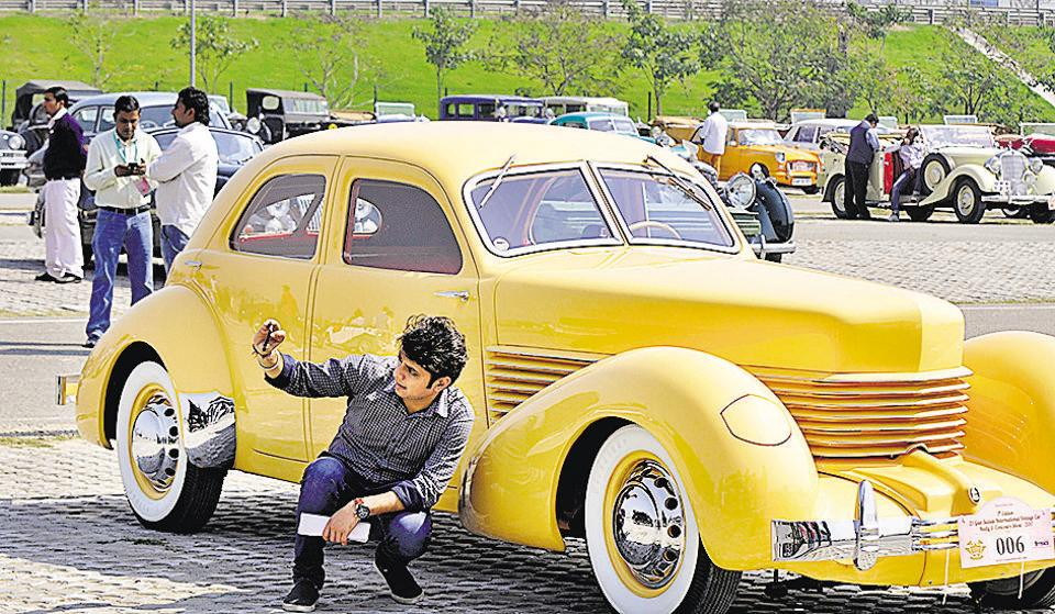 Noida,Noida vintage car rally,vintage cars