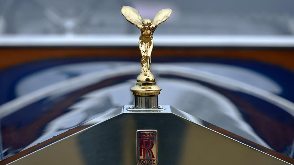 Classic Rolls Royce.  Army chief Bipin Rawat flagged off the vintage car rally on Sunday. (Ravi Choudhary/HT PHOTO)